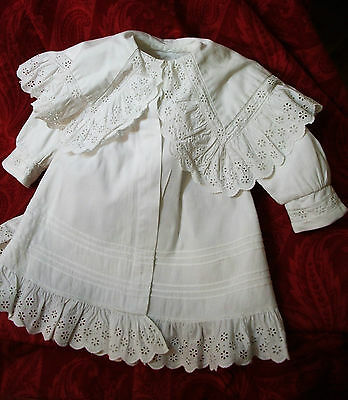 Small Coat baby offshore cape broderie anglaise