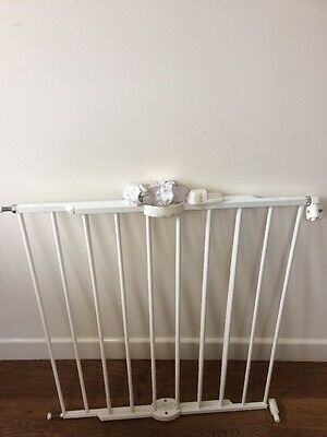 Baby Gate Lindam White Metal Stair Gate Secure Child Safety Gate
