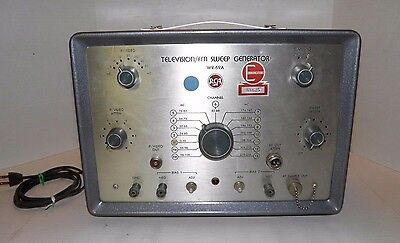 Vintage RCA WR-69A Television/FM Sweep Signal Generator