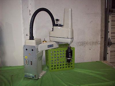 Adept Model 600 Table-Top Robot (Arm Assembly Only) *B*