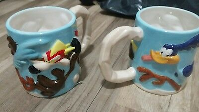 Warner Brothers Road Runner / Wile E Coyote Ceramic coffee cups
