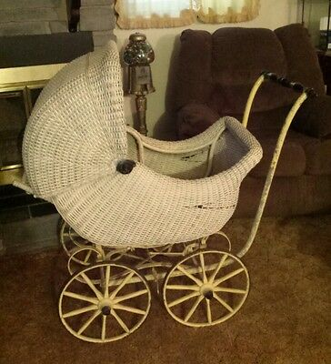 1919 Pullman Carriages Wicker Baby Carriage Uhlen Carriage Co.