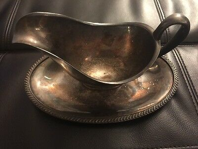 Wm Rogers Avon Gravy Boat w/ Attached Underplate Silverplate #3613