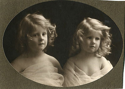 C1920s Portrait Photo of Two Young Children