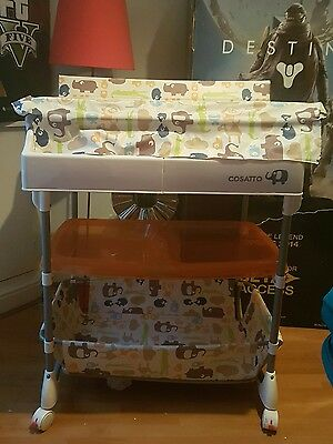 Baby changing unit with bath and trays