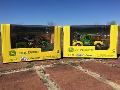 JOHN DEERE 1941 Chevrolet and 1942 Ford Pickup Set (1:43 Scale)