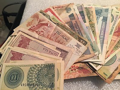 Foreign /  World Paper Money 100  Note Currency Collection, at least 4 continent