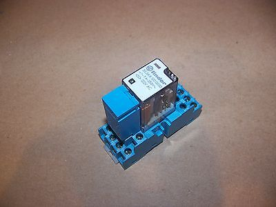 Qty8 Finder 4PDT 55.34.8.120.0030 Relay DIN rail base / RC Suppressor Module