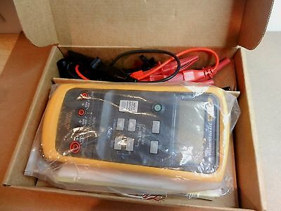 Fluke 712 5 Digit LCD Measure & Source 7 RTD Types + Ohms RTD Process Calibrator