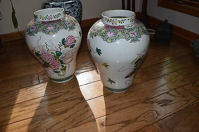 chinese a pair of large export vases. 18th. or 19th century