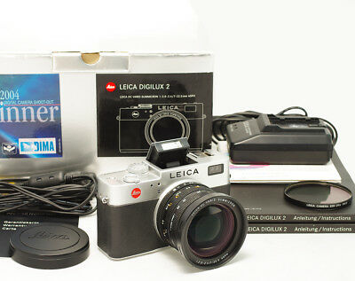 Leica Digilux 2 Camera with Vario Summicron 7-22.5 mm ASPH
