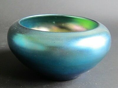 Fine Signed STEUBEN BLUE AURENE Art Glass Bowl  c. 1915  antique American vase