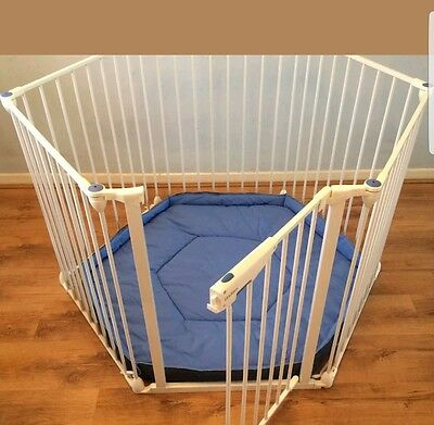 Lindam Safe and Secure Playpen with Mat / Fire Guard / Room Divider