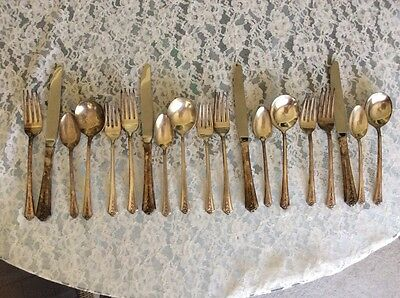 Holmes And Edwards Spring Garden Silver Plate (19 Pieces)