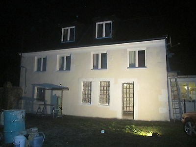 Former Granary 4 Bedroom House, with lots of Potential in the Loire Valley
