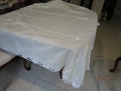 Lovely Cream Embroidered Tablecloth 135X172Cm