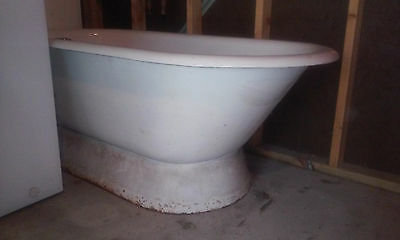 1920's Antique Pedestal Cast Iron Bath Tub