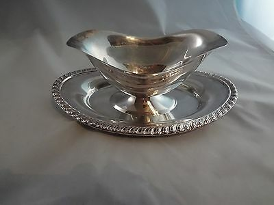 Silver Plated Gravy/Sauce Boat w/Attached Under Plate