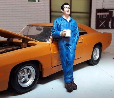 G LGB 1:24 Scale Workman Drinking Tea Coffee Figure Garage Workshop Diorama
