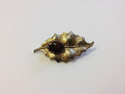 Stunning Vintage Estate Find Etched Goldtone Brown Stone 3D Leaf Brooch Pin A2