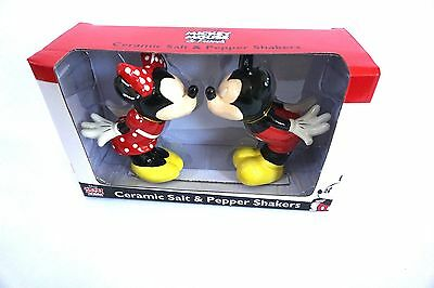 Disney Ceramic Salt and Pepper Shaker Shakers Love Kiss Mickey Minnie Mouse