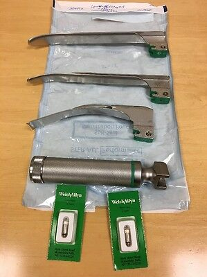 Welch Allyn Laryngoscope Handle w/ Blades, Bulbs, in perfect working order