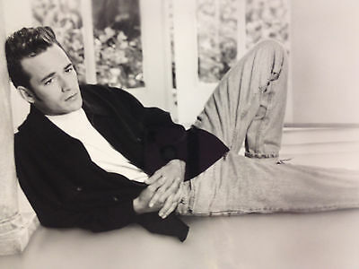 Beverly Hills, 90210 promotional Photo 1992 Fox Broadcasting Co. Luke Perry 8x10
