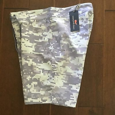 NWT Vineyard Vines Camp Whale Print Swim Trunks Mens Size 30