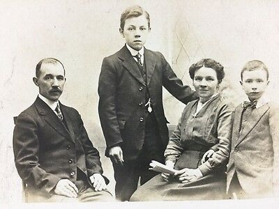 Vintage Postcard: Real Photo: Anonymous Family: #A101