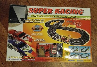 Artin Super Racing Speedway Slot Car Track. Battery Operated