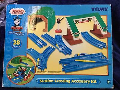Tomy Thomas & Friends Motor Road & Rail - Station Crossing Accessory Kit - Boxed