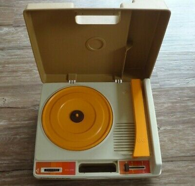 Vintage 1982 Fisher Price Record Player! Works! 33 and 45 Records Model #825