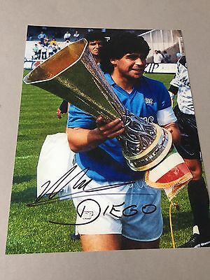 DIEGO MARADONA Weltmeister 1986 In-person signed 20 x 30 Autogramm