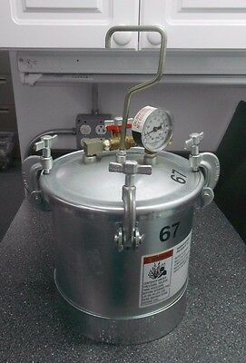 Binks 2 Gallon Steel Pressure Vessel/takn 0-100 Psi Gauge, Watts Regulator Valve