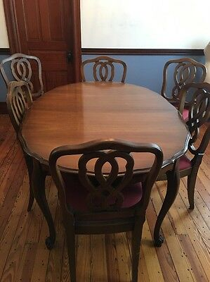 Vintage Bassett French Provincial Dining Set Table and 6 Chairs Scallope Edges
