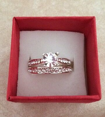 Silver Plated Wedding Ring Set. Brand New Not In Box. Size 7.Very Shinny