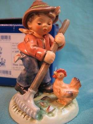 Goebel Hummel 2085 TMK 8 - Little Farm Hand - Limited Edition - Signed - MIB