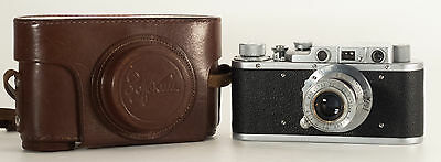 Very Early Zorki 1 (B) Pm1045 With Original Leather Case S.n.20828