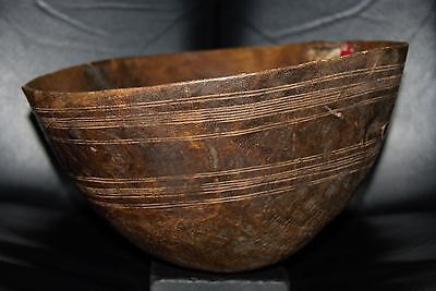 Antique Tribal Zulu African Hand-Carved Wooden Bowl