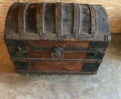 Victorian 1800-1899 Era Dome Trunk/Chest Leather Section Top Panels All Original