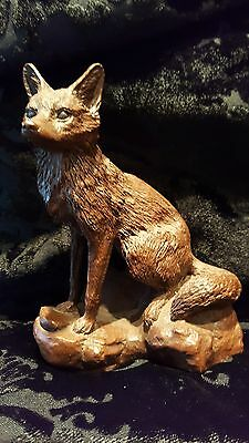 Detailed Features In Fox Figurine Uniquely Crafted By Red Mill Manufactuer -Aa38