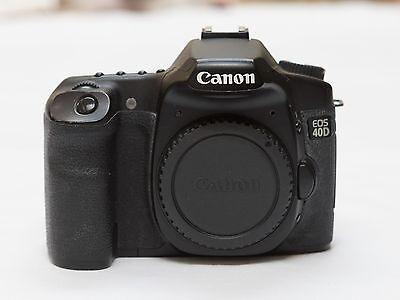 Canon EOS 40D DSLR Camera (Body Only) in good working order with 3 batteries