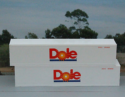 Two 40ft Dole refrigerated containers in HO scale - new
