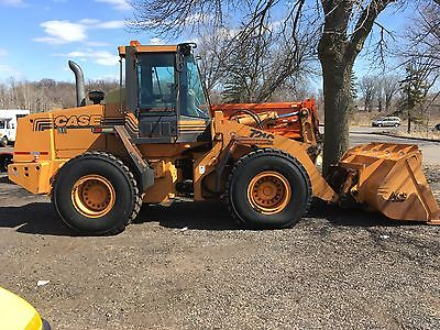 CASE 721 Articulating Wheel Loader, LOW HOURS 6,200 - Michelin Tires