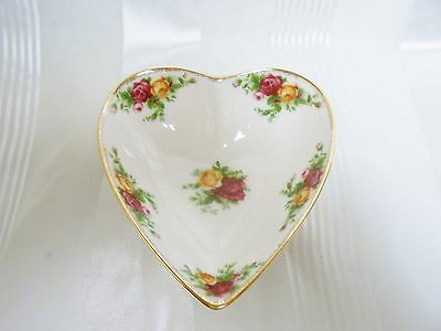 Royal Albert Old Country Roses Heart Tray Bone China New in Box