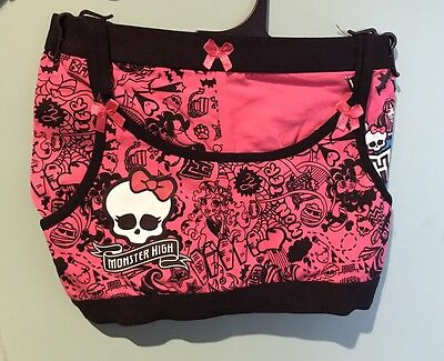 Girls Monster High Underwear Set. Size 8-10.Brand New With Tags.Crop Top & Trunk
