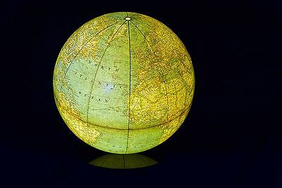 Vintage National Geographic Lit Lighted Globe & Lucite Stand MCM Mid Century