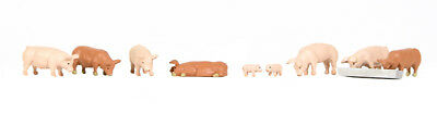Pigs - Bachmann 36-082 - OO painted animals - free post P3