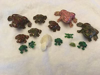 Vintage LOT of 14 Miniature Frog Figurines #9