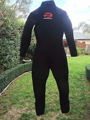 Near New Pinnacle Cruiser Wetsuit - 7mm Ladies Size S